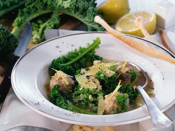 Kohlsuppe mit Fleischbällchen