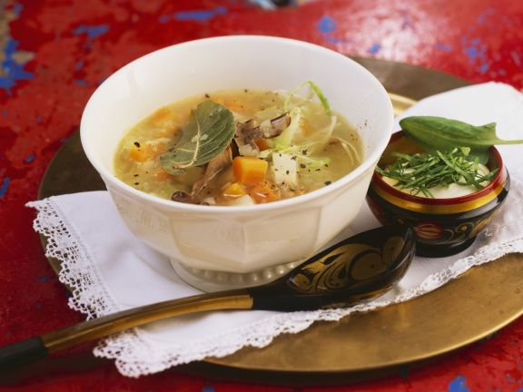 kohlsuppe mit sauerampfer auf russische art rezept eat smarter. Black Bedroom Furniture Sets. Home Design Ideas