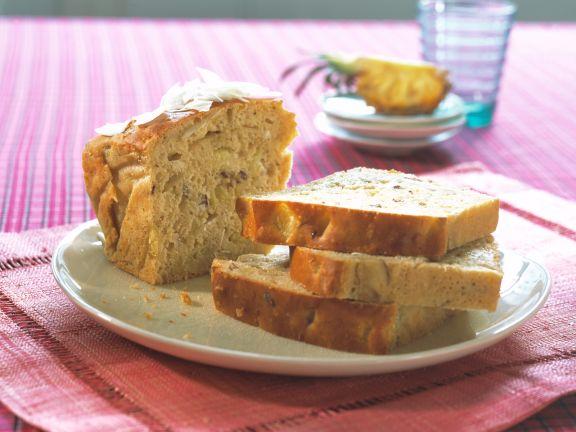 Kokos-Ananas-Kuchen mit Datteln