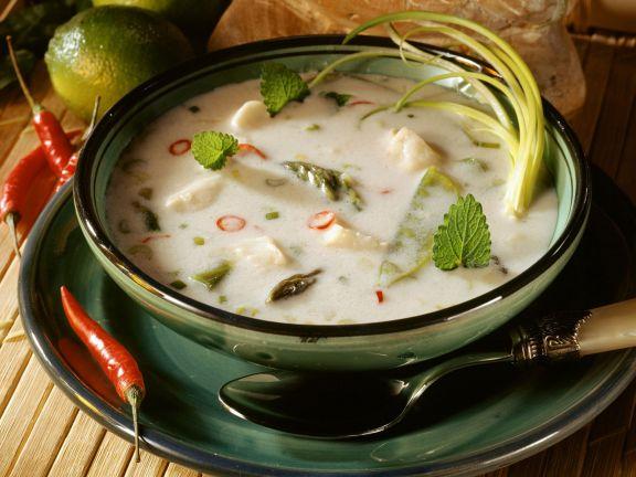 Kokos-Fisch-Suppe mit Spargel und Zitrone