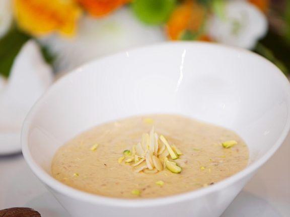 Kokos-Mandel-Suppe nach indischer Art