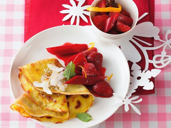 Kokospfannkuchen mit Rhabarber-Erdbeerkompott