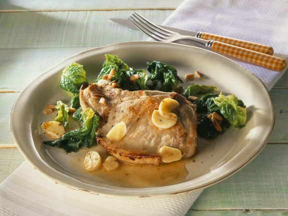 Koteletts mit Knoblauch dazu Spinat
