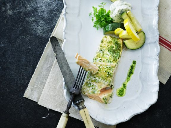 Kräuter-Lachs mit Gemüse