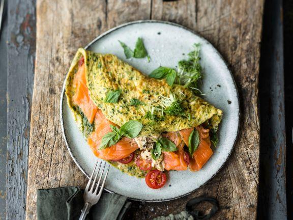Kräuter-Omelett mit Frischkäse und Räucherlachs