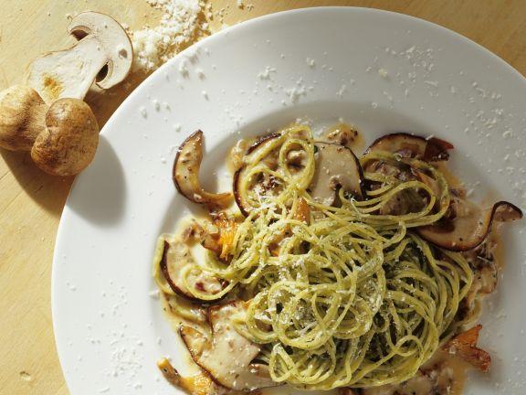Kräuter-Spaghetti mit Steinpilzen