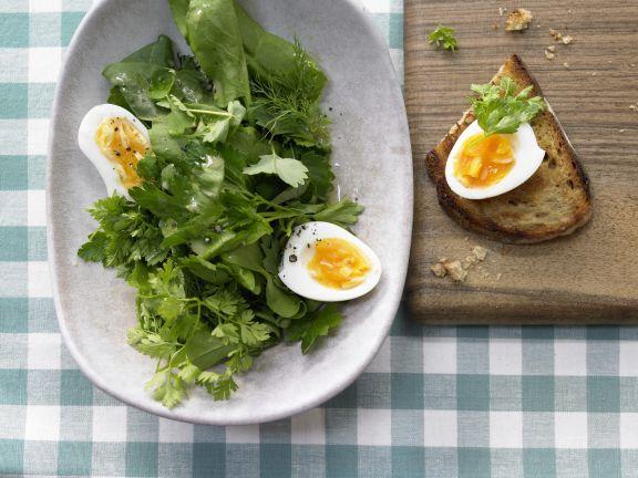 Kräutersalat mit Ei