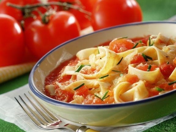 Krautpasta mit Tomatensoße