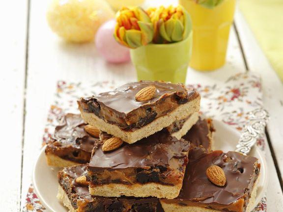 Kuchen mit Plaumen, Nüssen und Karamell