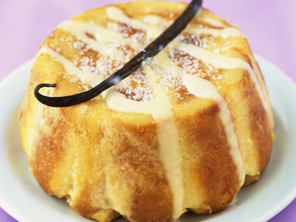 Kuchen mit Vanillecreme-Füllung