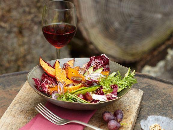 Kürbis-Radicchiosalat mit Weintrauben