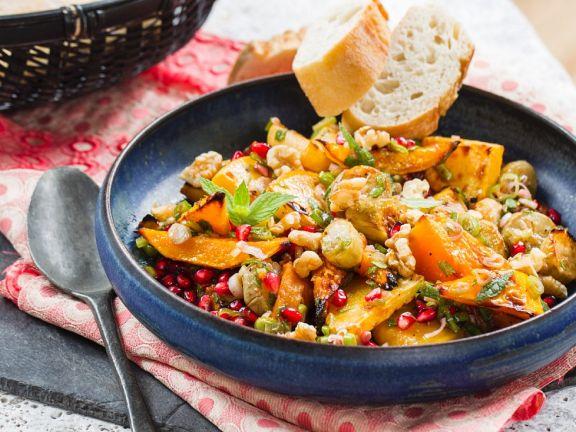 Kürbis-Steckrüben-Gemüse mit Granatapfel