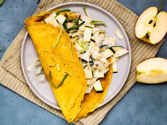 Kurkumapfannkuchen mit Lauch-Zucchini-Füllung