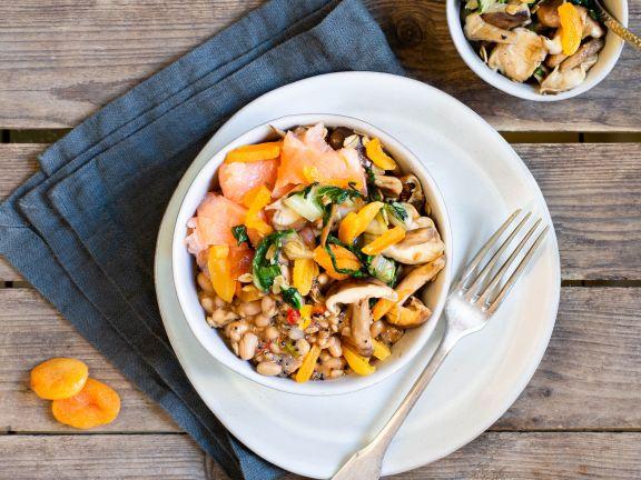 Lachs-Bowl mit reis-fit Feelgood Bohnen, Chia mit Quinoa & Gemüse