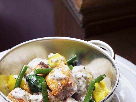 Lachs-Gemüse-Ragout mit Senfsoße