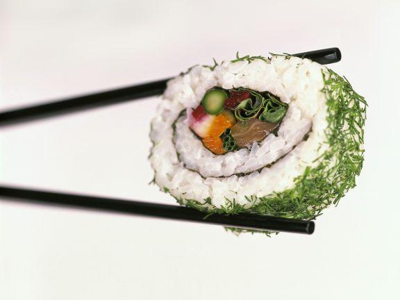 Lachs-Gemüse-Sushi