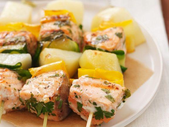 Lachs-Gemüsespieße