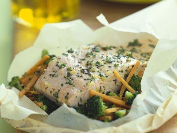 Lachs mit Gemüse en papilotte