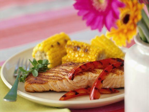 Lachs mit Gemüse vom Grill