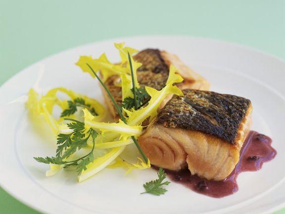 Lachs mit Rotweinsauce