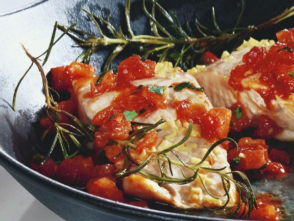 Lachs mit Tomaten