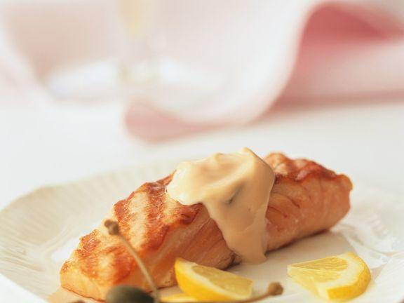 Lachs mit Weißweinsauce
