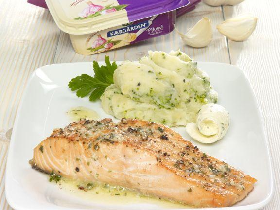 Lachsfilets mit Kartoffel-Brokkoli-Stampf
