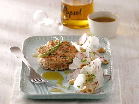 Tatar von der Lachsforelle mit Senföl und Rettich-Salat