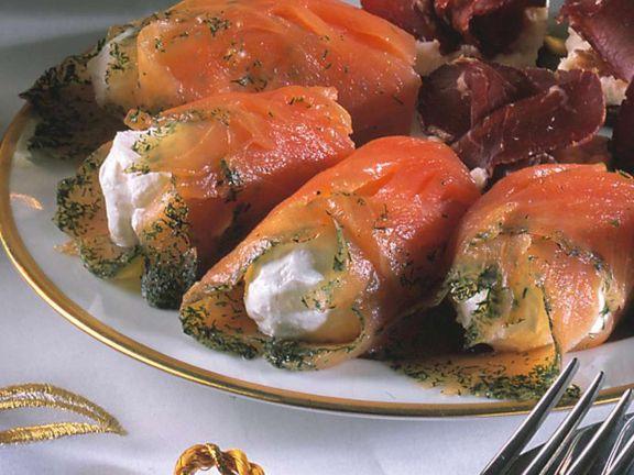 Lachsröllchen mit Frischkäse