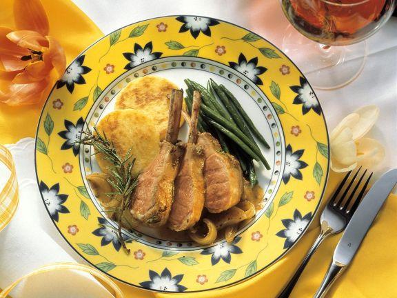 Lamm mit Kartoffelküchlein