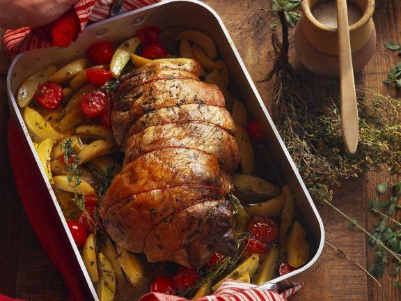 Lammbraten mit Pistou, Tomaten und Kartoffeln