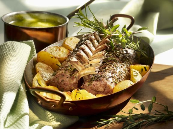 Lammchops mit Kräuterbutter und Kartoffeln