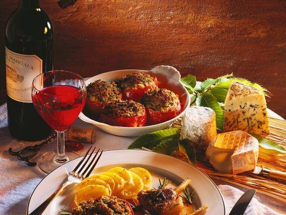 Lammchops mit Tomaten und Gratin