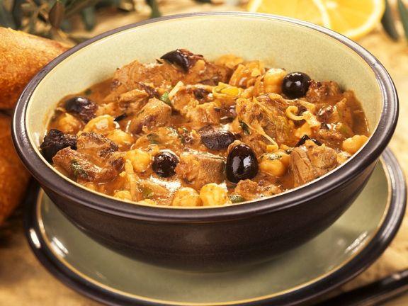 Lammeintopf mit Kichererbsen und Oliven