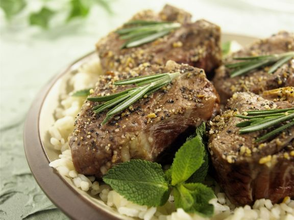 Lammfleisch mit Rosmarin und Minze dazu Reis