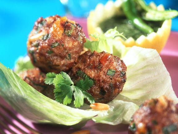 Lammfleischbällchen mit Chilisauce