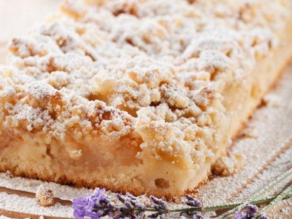 Lavendel-Apfelkuchen mit Streuseln