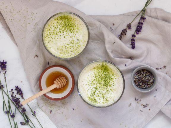 Lavendel Matcha Latte