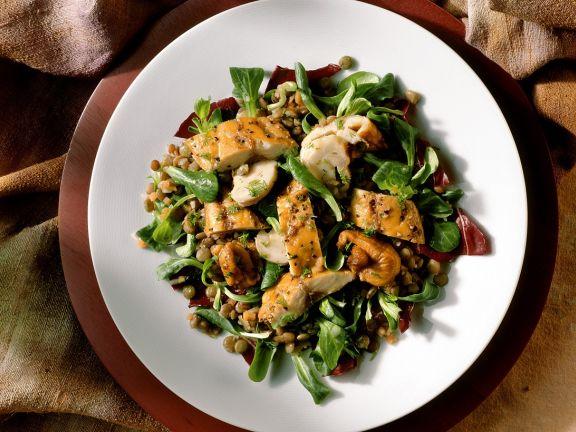 Linsen-Blattsalat mit Räucherfisch