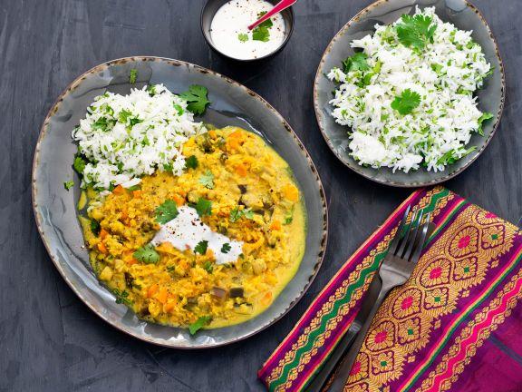 Linsen-Gemüse-Dal mit Basmati-Koriander-Reis