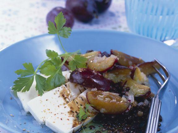 Linsen-Pflaumen-Salat mit Schafskäse