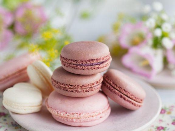 Macarons mit Rosen