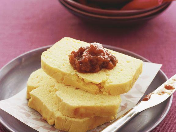Maisbrot mit Tomatenchutney
