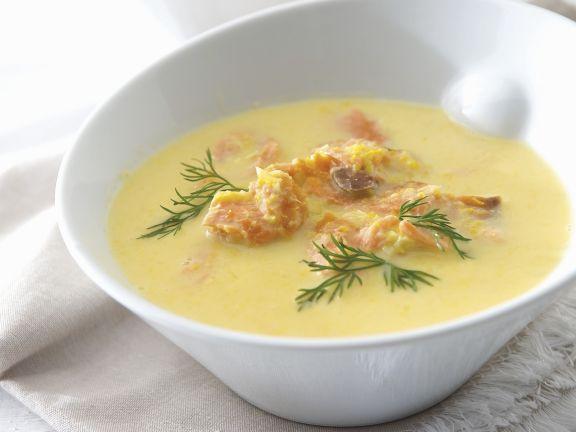 Maiscremesuppe mit geräuchertem Fisch