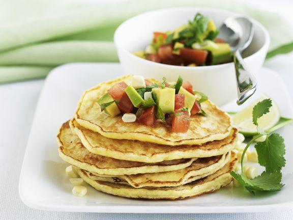 Maispfannkuchen mit Avocado-Salsa