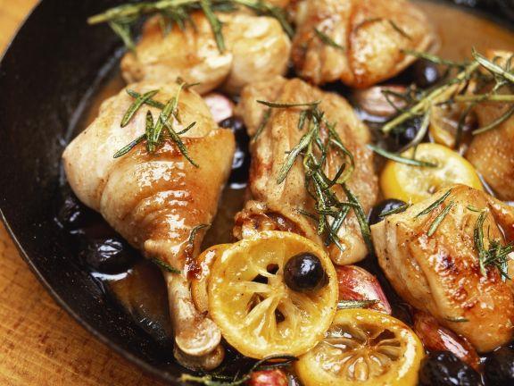 Maispularde mit Salzzitronen und Oliven