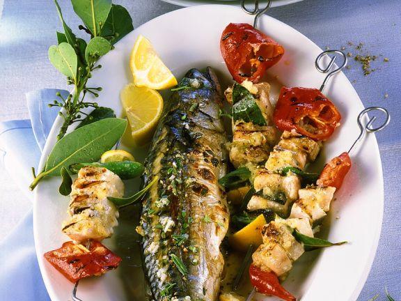 Makrele und Fischspieße vom Grill