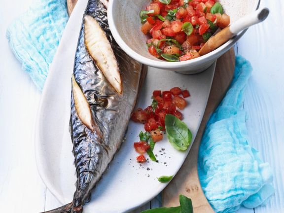 Makrele vom Grill mit Tomaten