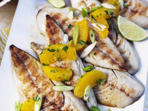 Makrelen vom Grill mit Orangen und Frühlingszwiebeln
