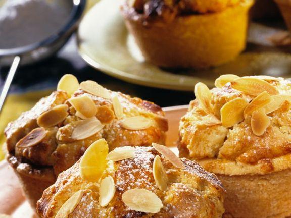 Mandelmuffins mit Aprikosenkonfitüre